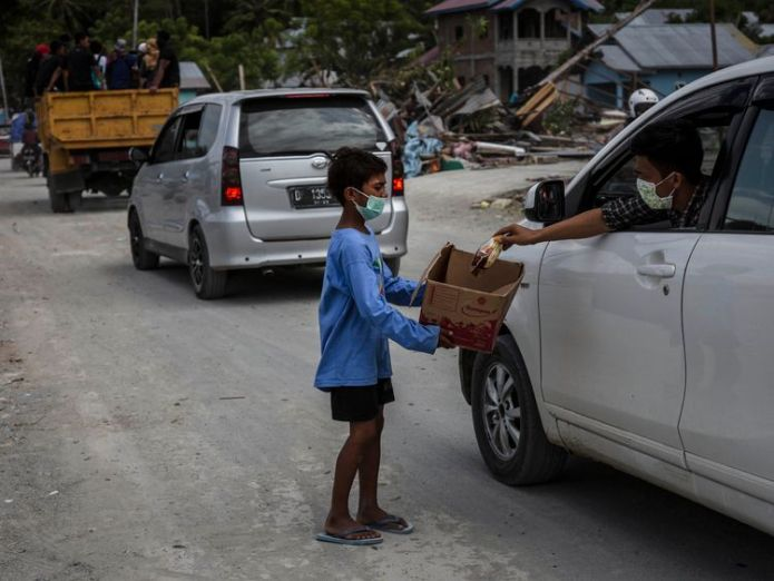 People are having to beg for food by the road  UK charities launch joint fundraising appeal for Indonesia quake survivors skynews indonesia palu wuake 4442434