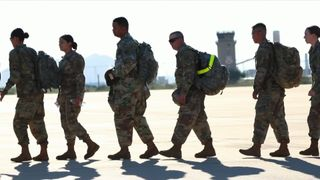 Soldiers from Fort Bragg, North Carolina, arrived at the Davis-Monthan Air Force Base, on November 2, to await the arrival of asylum seekers still hundreds of miles away from the US border.