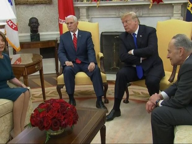 Three-way argument breaks out during White House photo call