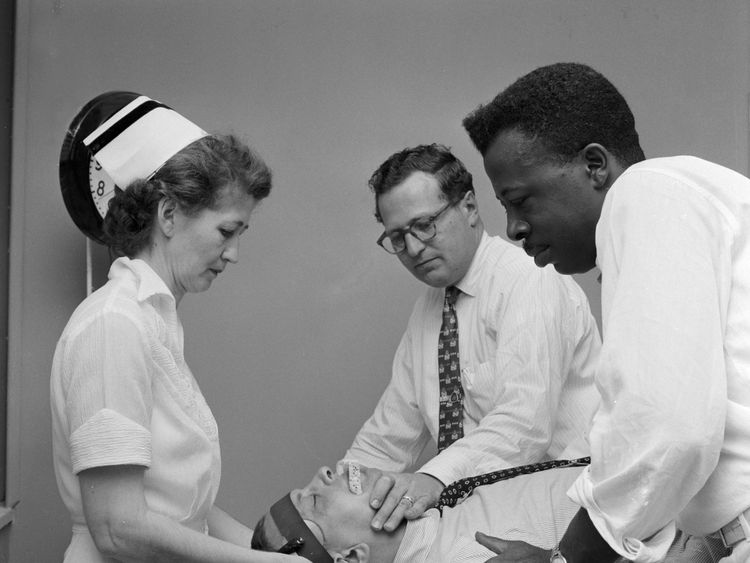 Un paciente con TEC en 1955.