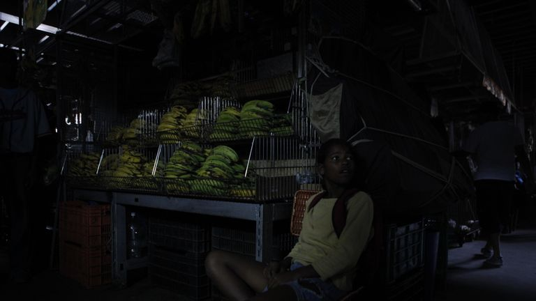 Chacao market is in the dark because of Venezuela's power cut