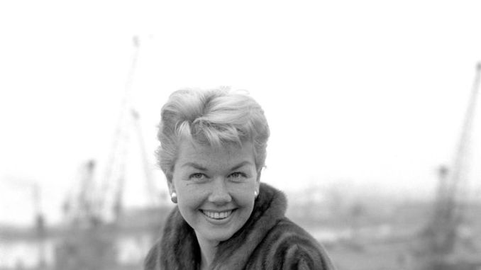 Doris Day abroad The Cunard Liner Queen Elizabeth at Southampton