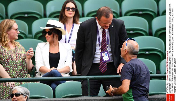 Un hombre fue despedido por supuestamente fotografiar a la duquesa de Sussex