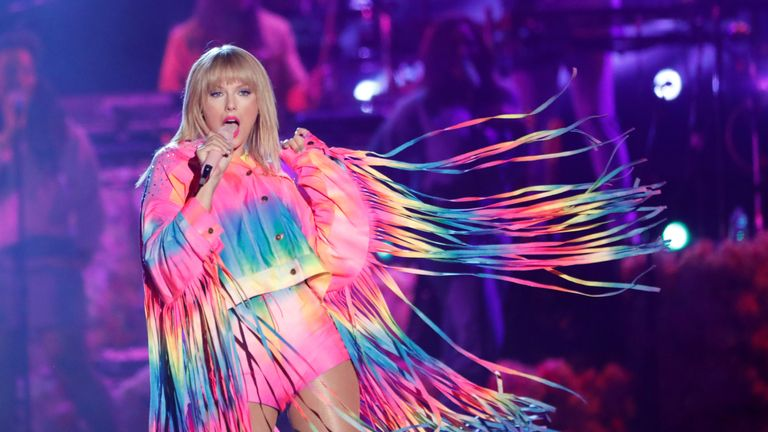 Download Taylor Swift details nights out in Brixton and love of ...