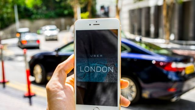 An iPhone6S plus displays the logo of Uber ride-hailing app and the London map app on 26 September 2017, in Hong Kong, Hong Kong. London transport authorities announced they would not renew Uber's licence to operate in the city when it expires on September 30 for safety reasons, atlhough it has three weeks to appeal. (Photo by studioEAST/Getty Images)