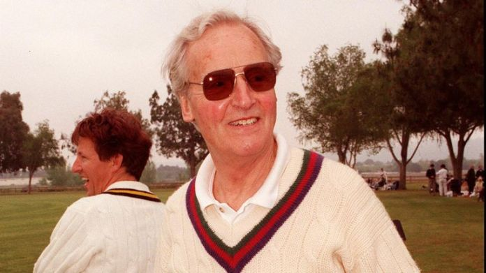 """Woodley park, CA. Game Show host Nicholas Parsons during the celebrity cricket match held in aid of the """"Lord Taverners Trust"""" which helps young people with special needs. Picture Dan Callister Online USA Inc."""
