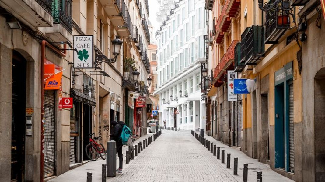 The streets are deserted in Madrid