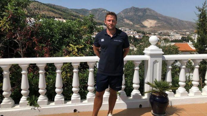 Rob Springall rents vacation villas through his company, Anda Homes