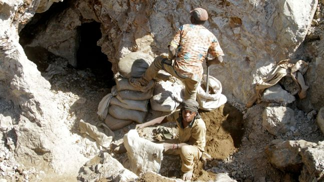 At least 50 dead after gold mine collapses in DR Congo | World News | Sky  News