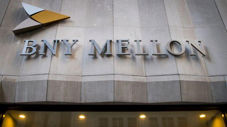 El edificio del Bank of New York Mellon Corp. en 1 Wall St. se ve en el distrito financiero de Nueva York el 11 de marzo de 2015. REUTERS / Brendan McDermid (ESTADOS UNIDOS - Etiquetas: NEGOCIOS)