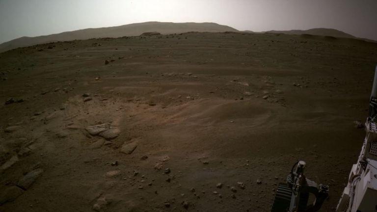 «Это действительно поверхность чужого мира - и мы только что прибыли», - сказал инженер.  Фото: НАСА