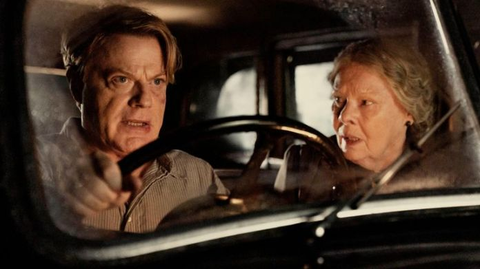 Eddie Izzard and Judi Dench in six minutes at midnight.  Pic: Six minutes to midnight / Sky Cinema / Lionsgate