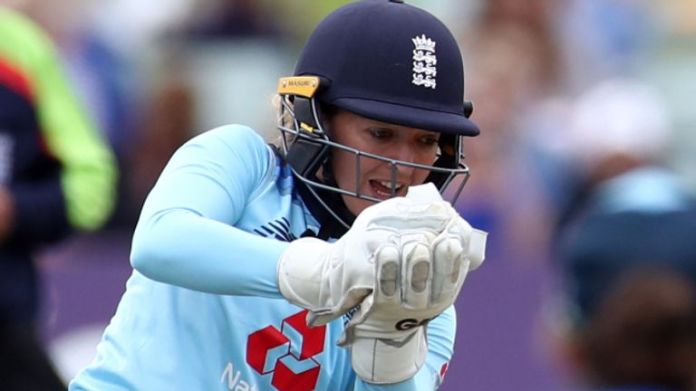 """Former England wicketkeeper Sarah Taylor says """"little demons"""" of anxiety resurfaced with her appointment to Sussex's coaching set-up"""