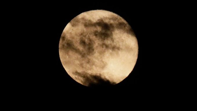 April's supermoon over London