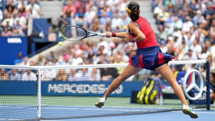 Emma Raducanu hits a forehand during the Women's Singles championship match at the 2021 US Open, Saturday, Sep. 11, 2021 in Flushing, NY. (Darren Carroll/USTA via AP)