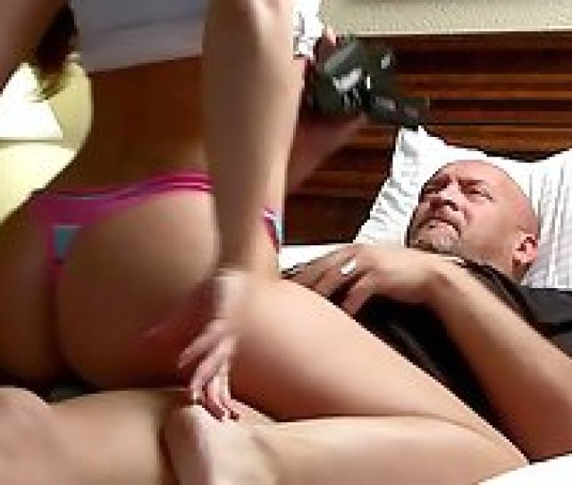 Filming A Gorgeous Brunette Babe Dry Humping Him In A Hotel