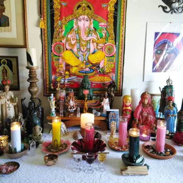A Mother Goddess altar. Image from http://themotherhouseofthegoddess.com/motherhouse-goddess- temple/