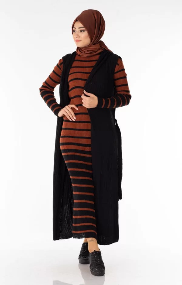 حوايج البرد Ensemble 2 Pièces Longue Robe Tricot Rayé Marron Noir avec Gilet - تريكو تركي أنصومبل 2 بياس vente en ligne maroc casablanca solde