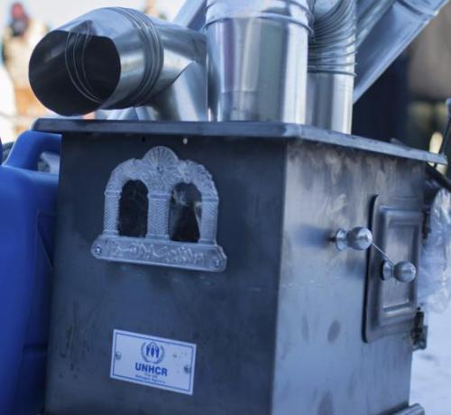 Estufa de ACNUR para invierno en Siria