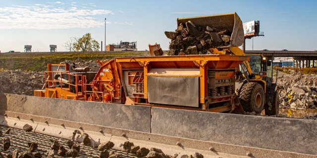 Properly Feeding Material for Crushing