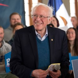 U.S. Senator and Democratic presidential candidate Bernie Sanders holds a town hall in Perry, Iowa, on January 26, 2020. (Brian Cahn/Zuma Press/TNS)