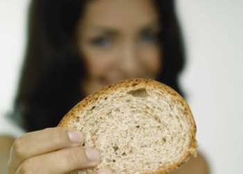 This recipe for rice bread is very easy, with only a few ingredients.