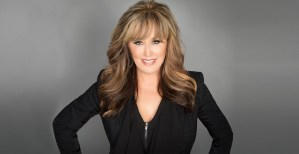Lisa Copeland top female keynote speaker, drive sales and grow business. Leadership skills