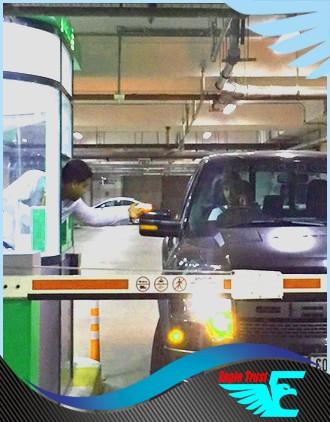 valet parking cashier photo