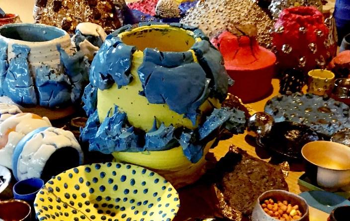 「祈り」の姿を創る – 桑田卓郎展「日々(にちにち)」