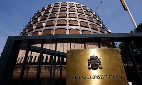 Porta d'entrada del Tribunal Constitucional a Madrid