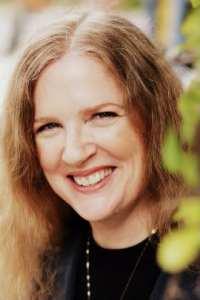 Author Biographies Suzanne Collins Aurora Public Library District