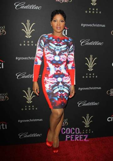 toni-braxton-giuseppe-zanotti-the-groves-christmas-tree-lighting-spectacular-los-angeles__oPt