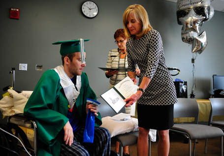 cancer patient gets degree