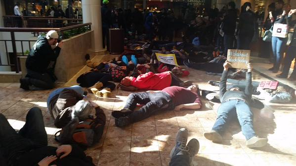 Mass Die In staged at St. Louis Galleria; Mall closed indefinitely
