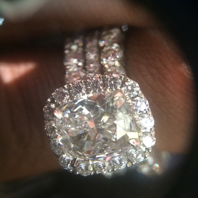 Fantasia Barrino Shows Off wedding ring? I'z Married Know.