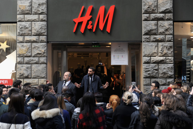"""H & M Makes Apology For Stating White Models Convey A More """"Positive Image"""""""