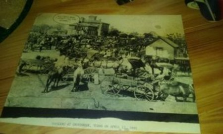 Joe's Crab Shack Under Fire For Using Lynching Photos As Table Decor; They've Since Apologized