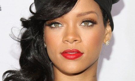 Brains & Beauty: Rihanna Has Acquired The Rights To The Master Recordings Of All Her Albums