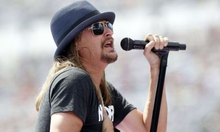 "During A Live Concert, Kid Rock Say ""F*ck Kaepernick"" All While Singing ""I Was Born Free"" Unfortunately Kaepernick's Ancestors On His Father's Side Wasn't Born Free"