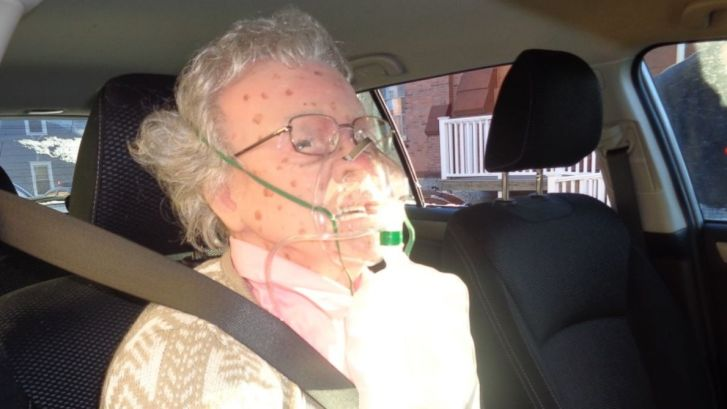 """New York's Hudson Police Rescue """"Frozen"""" Elderly Woman Who Turned Out To Be A Mannequin"""