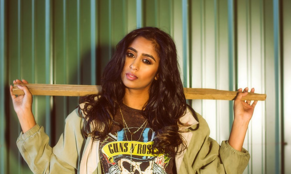 """Exclusive Interview: Chicago Artist Vijeta Blasts Her Way To The Top With Her Hit Song """"Wait for the Night"""""""