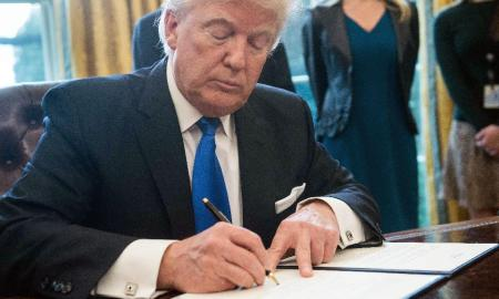trump_signs deal