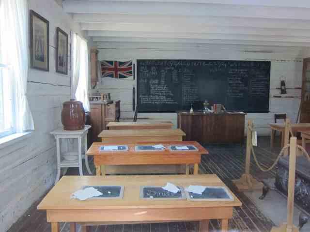 gleichen school heritage park calgary 1