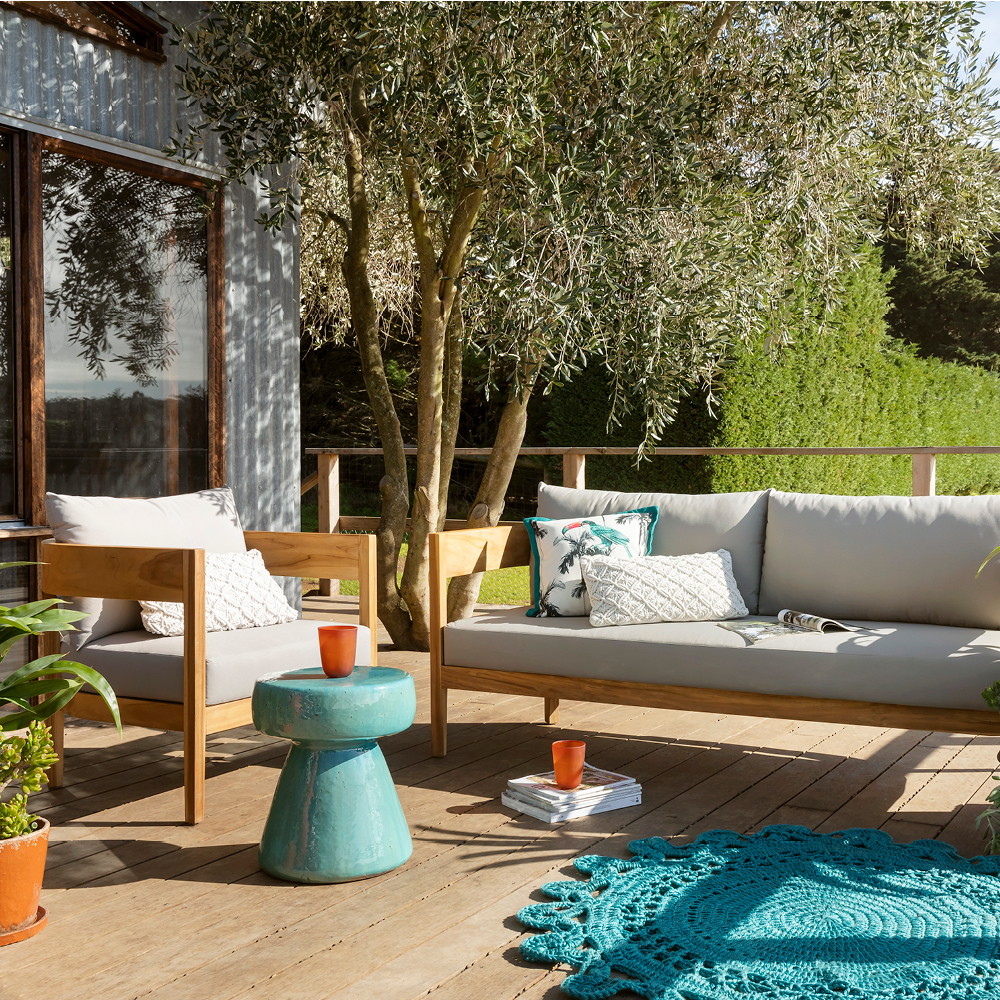 Outdoor furniture style trends for 2019 with the Villa