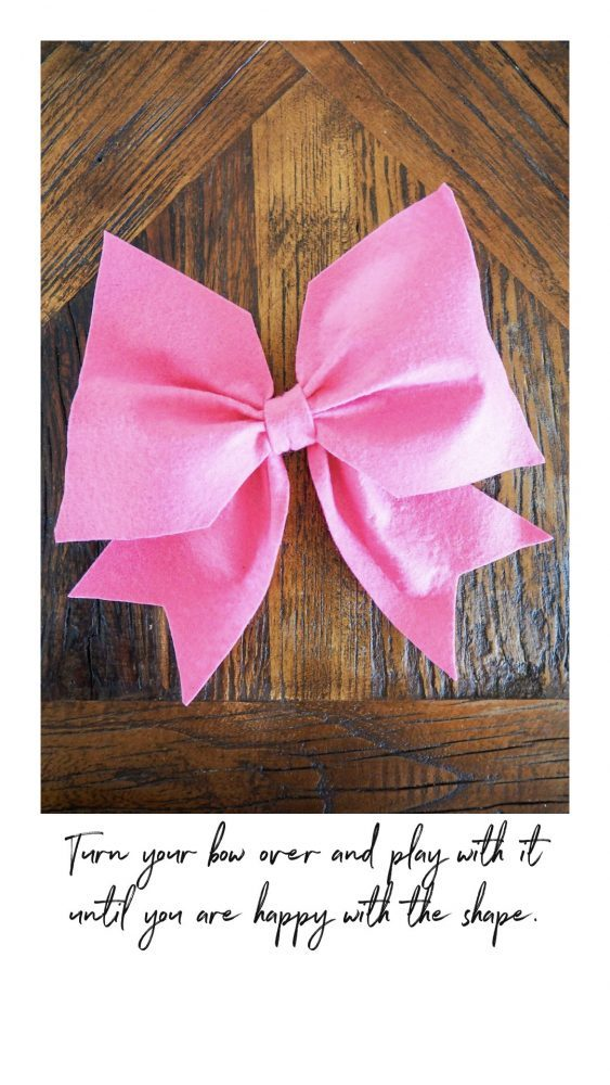 Decorate Your Easter Wreaths making a bow