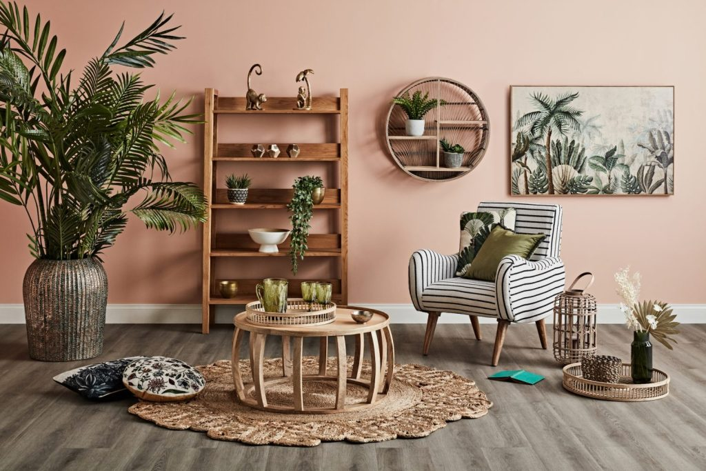 Fancy a Vintage Vacation? - tropical living room