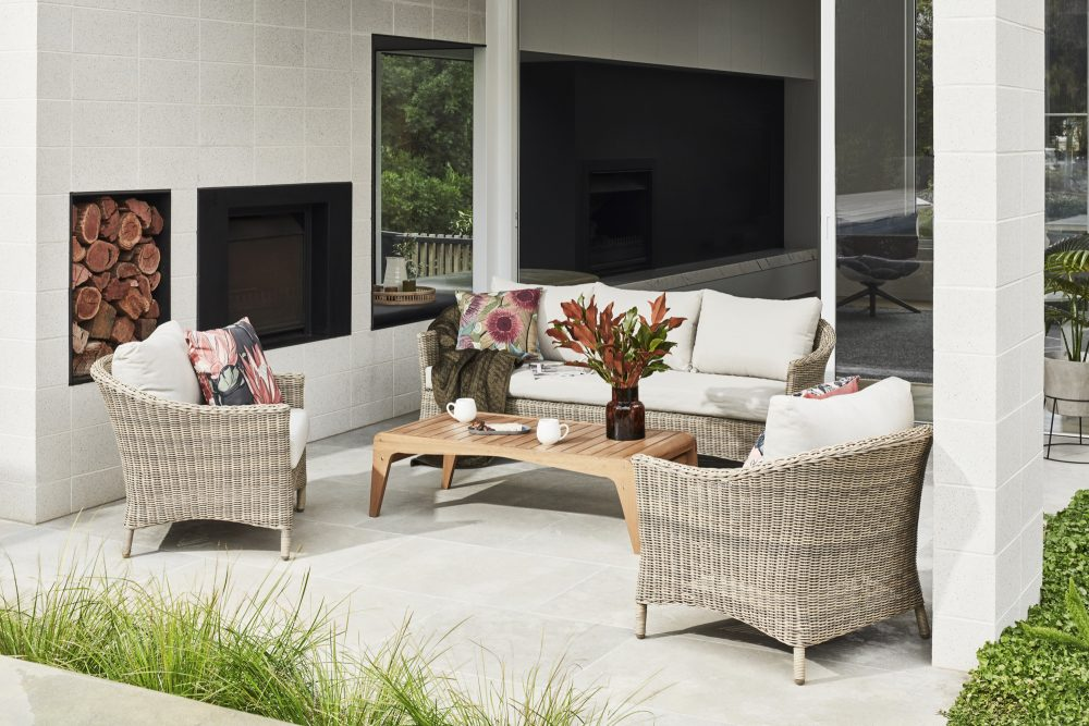 Outdoor Furniture to Create Paradise on the Patio with outdoor sofa set