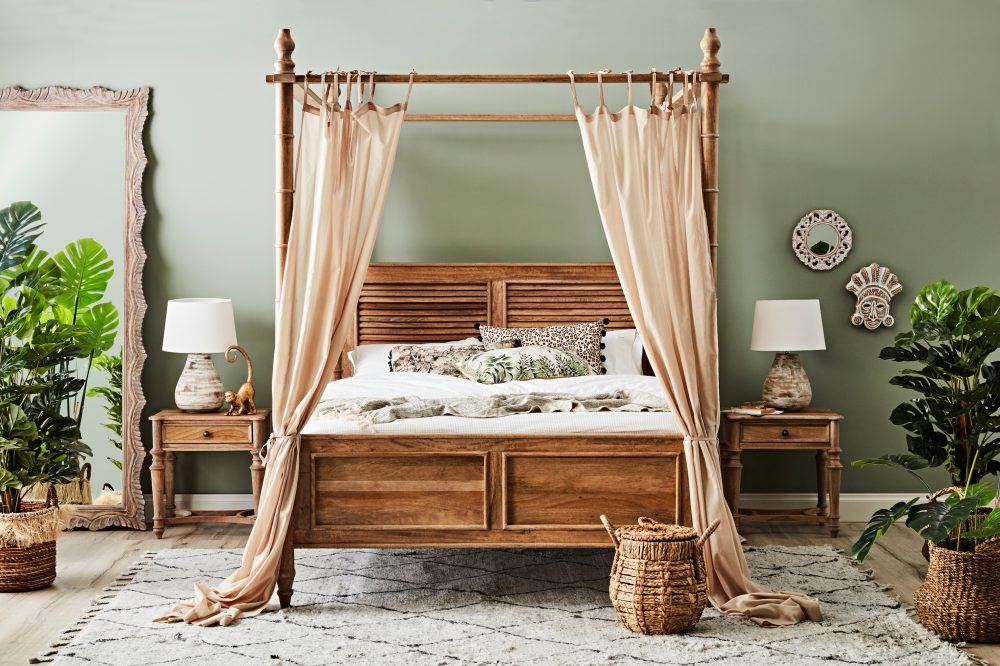How to Choose the Perfect Bed with the Hampton Canopy Bed
