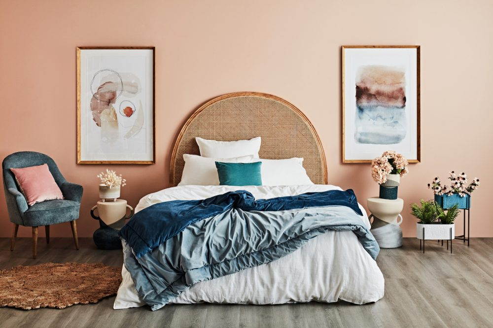 eclectic bedroom decorating ideas with layers