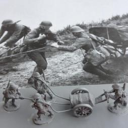 4 Dutch Army infantry with Machine gun or Mortar cart.